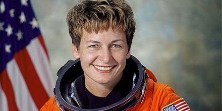 佩吉·惠特森:太空行走次数最多的女性